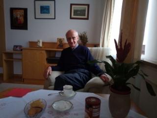 P. Xaver in seinem Zimmer in Salzburg